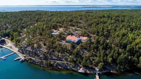 Prinsesse Märtha Louises feriested Bloksberg på Hankø i Østfold ble først lagt ut med en prisantydning på 35 millioner kroner før prisen ble satt ned med ti millioner.