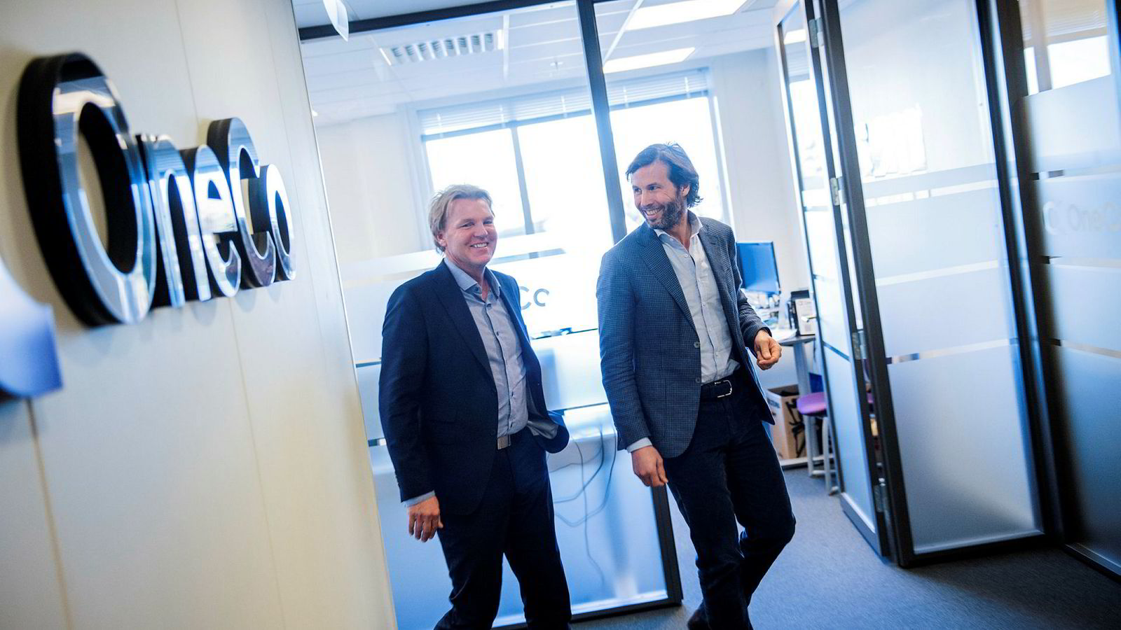 Møller-familiens investeringsselskap Katalysator blir majoritetseier i milliardkonsernet OneCo. Her er konsernsjef i OneCo, Marvin Jensen (til venstre) sammen med styreleder i Aars as, Øivind Schage Førde.