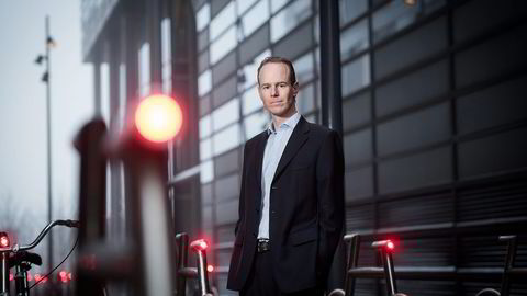– Vi regner med at selskapenes samlede inntjening blir cirka 20 prosent lavere enn ved samme kvartal ifjor, sier sjefstrateg Paul Harper i DNB Markets.                   Foto: Skjalg Bøhmer Vold