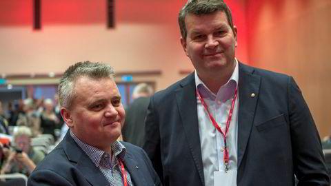 LO-leder Hans-Christian Gabrielsen (til høyre) lover Fellesforbundets leder Jørn Eggum at alle i LO står bak kravet om et seriøst arbeidsliv.