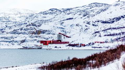 Kvalsund 20190317. Selskapet Nussir ASA har fått driftskonsesjon for en kobbergruve ved Repparfjorden i Finnmark. Masser fra gruvedriften vil bli tømt i et sjødeponi i Repparfjorden. Nussir ASA som har drevet med utvinning av kobber fra et anlegget der tidligere og nå vil starte utvinningen sin igjen med deponi i sjøen. Bilder fra området. Anlegget på bildene er Folldal Verk i Repparfjord. Foto: Mads Suhr Pettersen / NTB scanpix ---