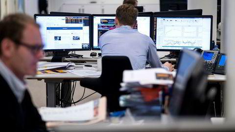 Kunstig intelligens brukes allerede i en rekke industrier for å analysere store datamengder og identifisere mønstre. Rutineoppgaver som tidligere ble utført av mennesker automatiseres i flere bransjer, som for eksempel bank og forsikring.