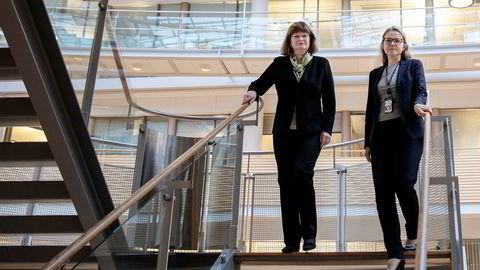 Avinors styreleder Anne Carine Tanum (fra venstre) sier styret har landet på en spansk leverandør av tårntjenester i Kristiansand og Ålesund, selv om grunnleggeren av selskapet er involvert i en korrupsjonssak. Her med Avinors konserndirektør Stine Ramstad Westby.