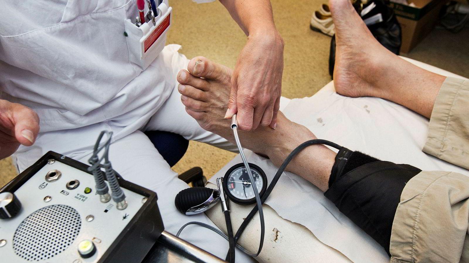 Nylig lanserte legeforeningen en kampanje som kalles «Gjør kloke valg». Bakgrunnen for denne kampanjen er at noen undersøkelser og behandlinger ikke bare er unødvendige, men også potensielt skadelige for pasienter.
