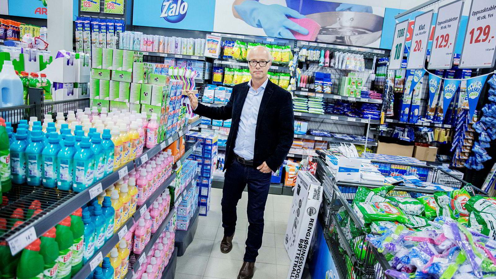 – Dette er det verst tenkelige tidspunktet å ha for mange produkter på, sier Europris-sjef Pål Wibe om de fulle lagrene i første kvartal.