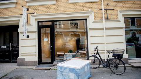 En lapp på døren i butikken til Julie Josephine Essentials på Frogner i Oslo står følgende beskjed: «Vi pusser opp. Vi ses etter påske».