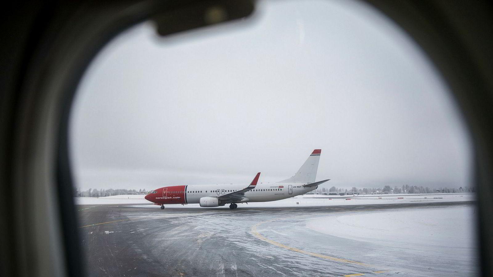 Norwegian fly på Gardermoen på vinterstid.