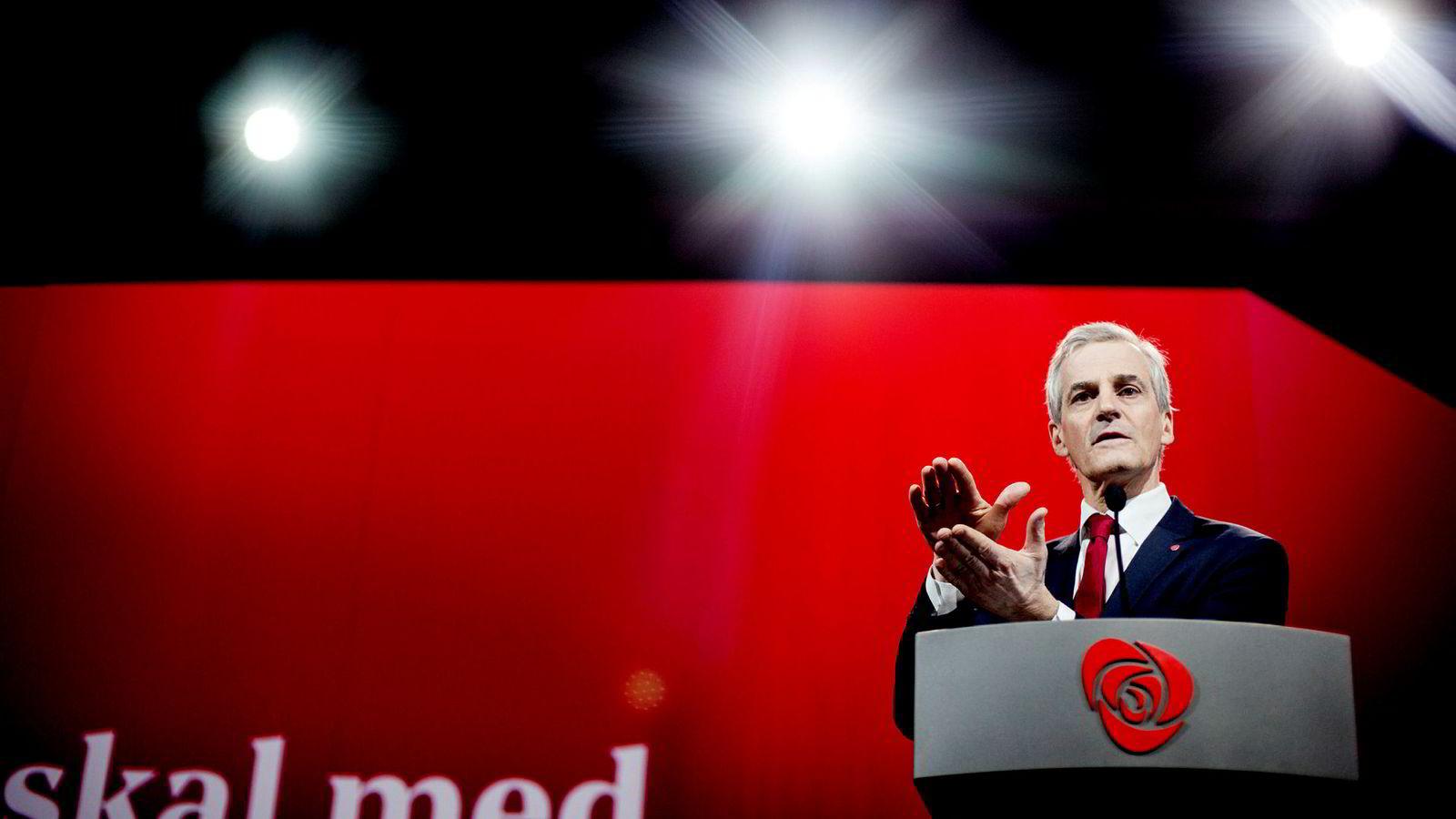 Partileder Jonas Gahr Støre under Arbeiderpartiets landsmøte fredag. ---