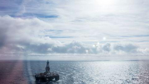 Det er blitt mer sannsynlig nå enn før at norske oljekutt bare blir møtt med økning andre steder, skriver artikkelforfatteren. Her fra boreriggen Leiv Eiriksson i Barentshavet.