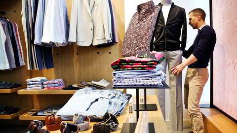 Det er mye mer å hente på å lage klær som varer lenger, teknisk enklere også. Men det ødelegger jo hele forretningsmodellen til motebransjen, som baserer seg på hyppig utskiftning, skriver artikkelforfatteren.