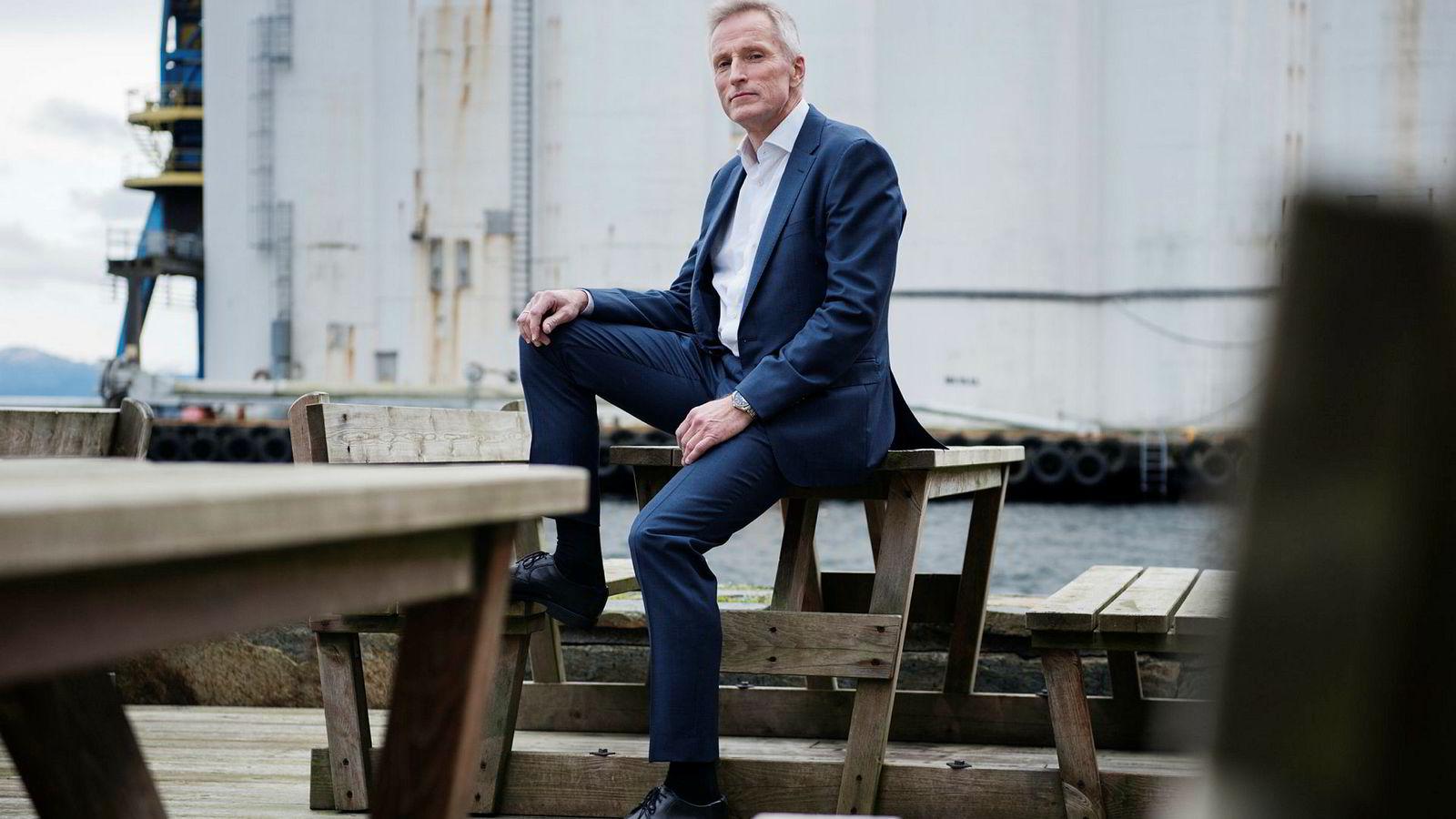 Driftsdirektør Helge Hammer (57) slakter DNO-budet som verdsetter Faroe til 6,6 milliarder kroner. Han sitter med storparten av organisasjonen her i Østre bydel i Stavanger.