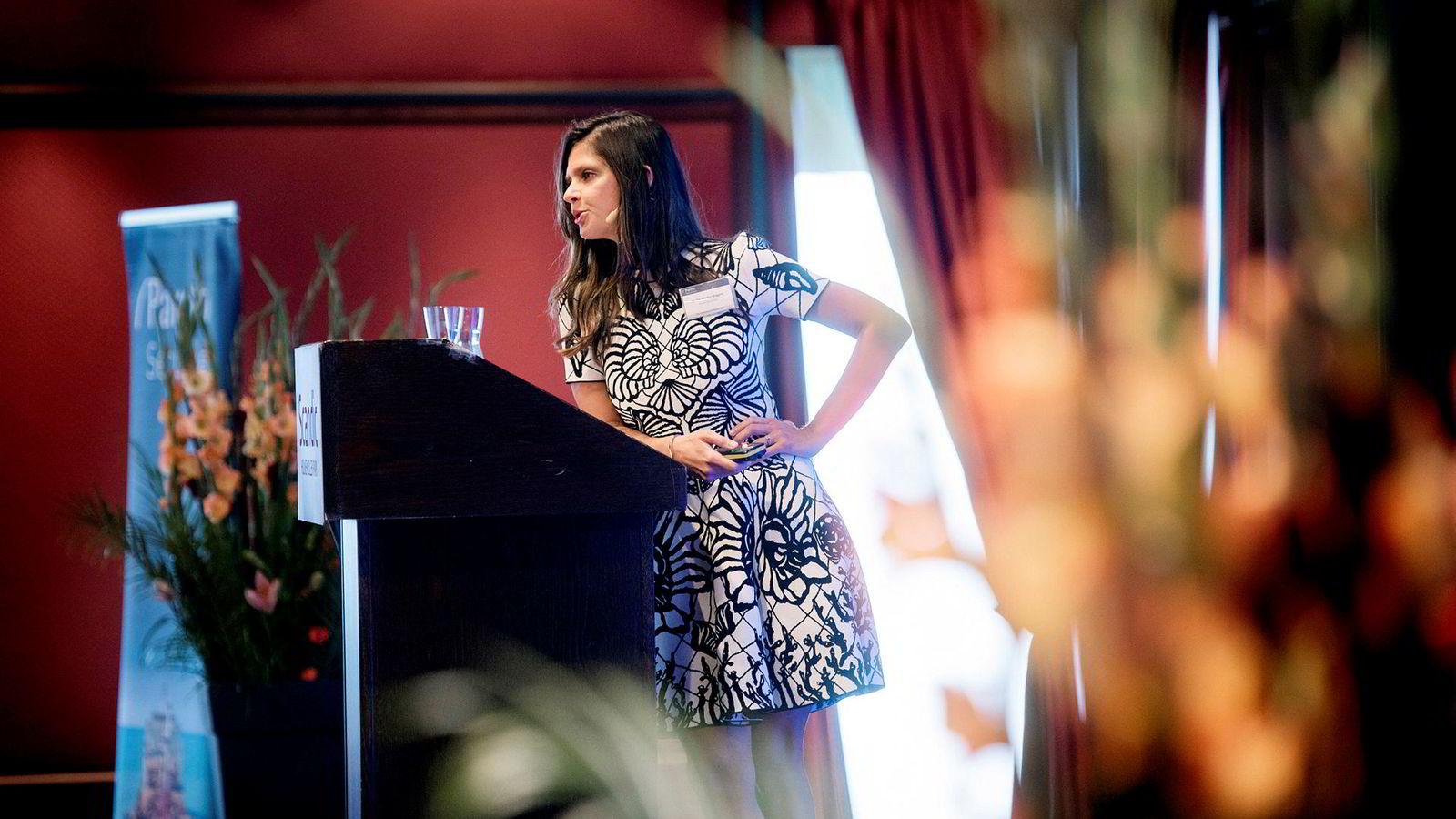 Oljeanalytiker Nadia Martin Wiggen sto på scenen på Pareto-konferansen onsdag morgen og beskrev hvilke kraftige endringer markedet er inne i.