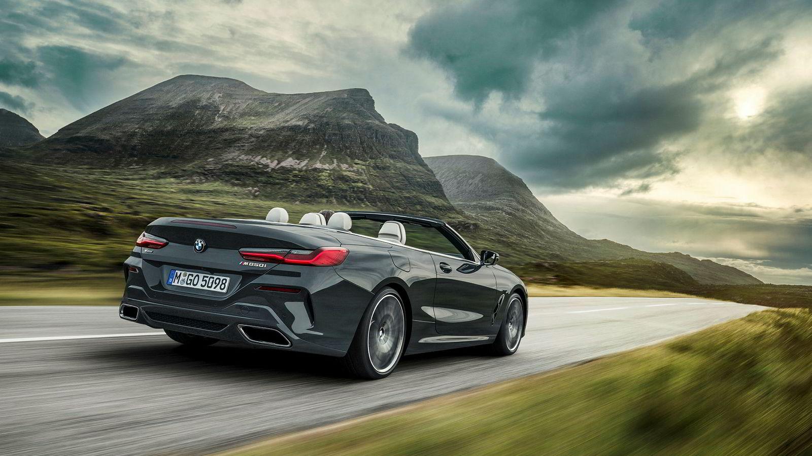 Selv om BMW 8-serie kabriolet er 5,4 centimeter kortere enn forgjengeren 6-serie, mener BMW at den er to hakk opp.