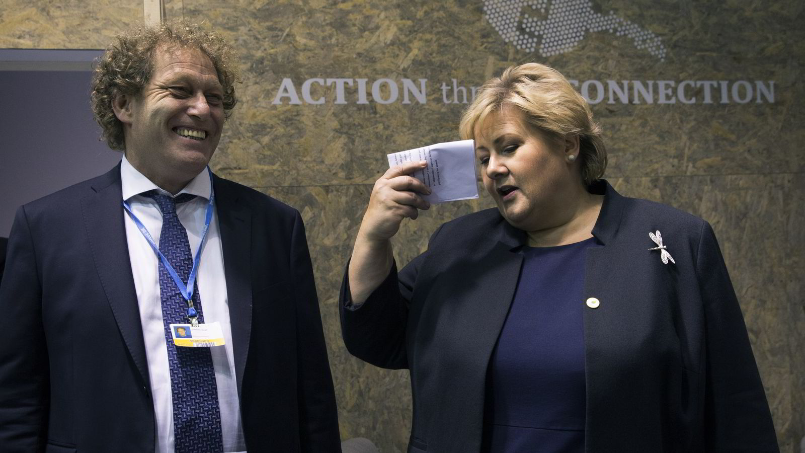 Bellonas grunnlegger og faglige leder Frederic Hauge og statsminister Erna Solberg (H) under åpningen av FNs klimatoppmøte i Paris. Regjeringen støtter studien av mulighetene for en Sahara Forest Project-satsing i Tunisia. Foto: Berit Roald /