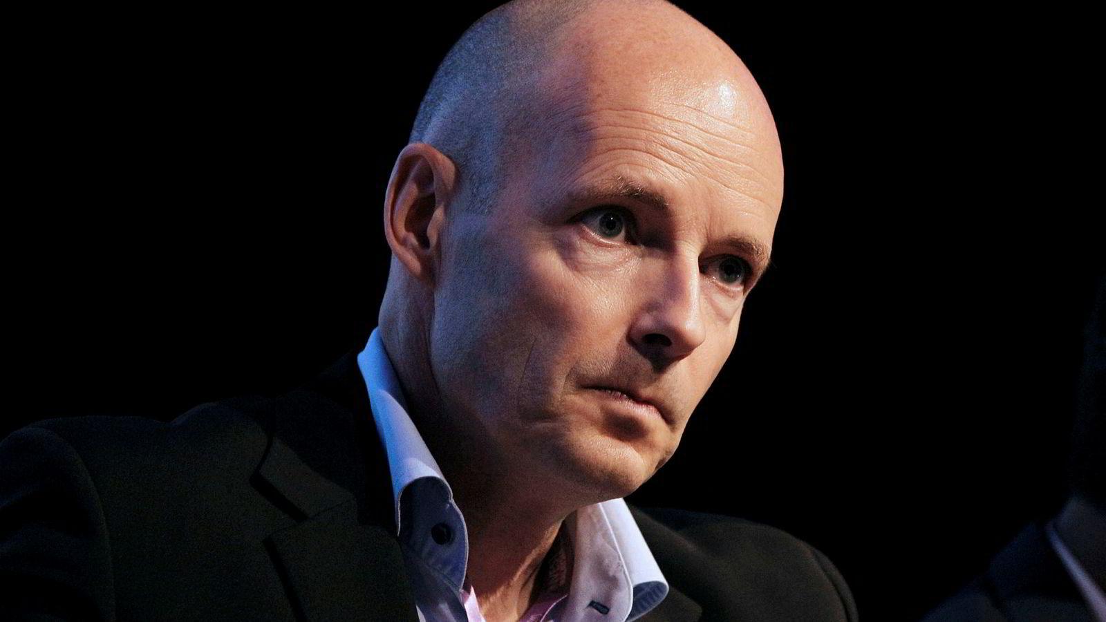 Henrik Clausen blir erstattet på dagen fra Bang & Olufsen.