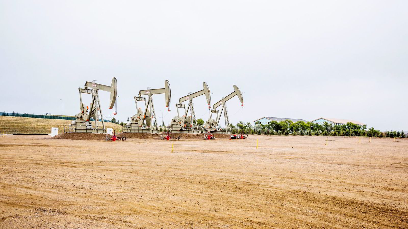 Skiferrevolusjonen har økt USAs oljeproduksjon kraftig de siste tiårene. Her et frackinganlegg i Williston, Nord-Dakota.