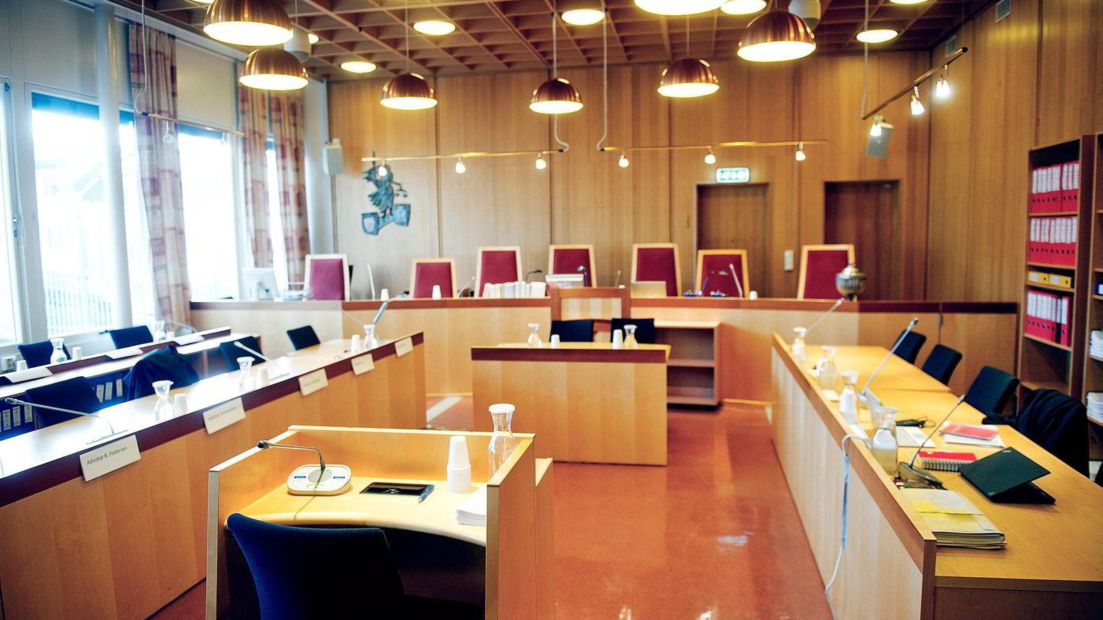 Norske dommere dropper lovpålagt av egne aksjekjøp. Bildet er fra Drammen tingrett. Foto: Jon Olav Nesvold,
