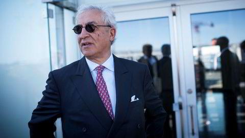 Styreleder og største eier i DNO, Bijan Mossavar-Rahmani, vifter både med pisk og gulrøtter i kampen om Faroe Petroleum.