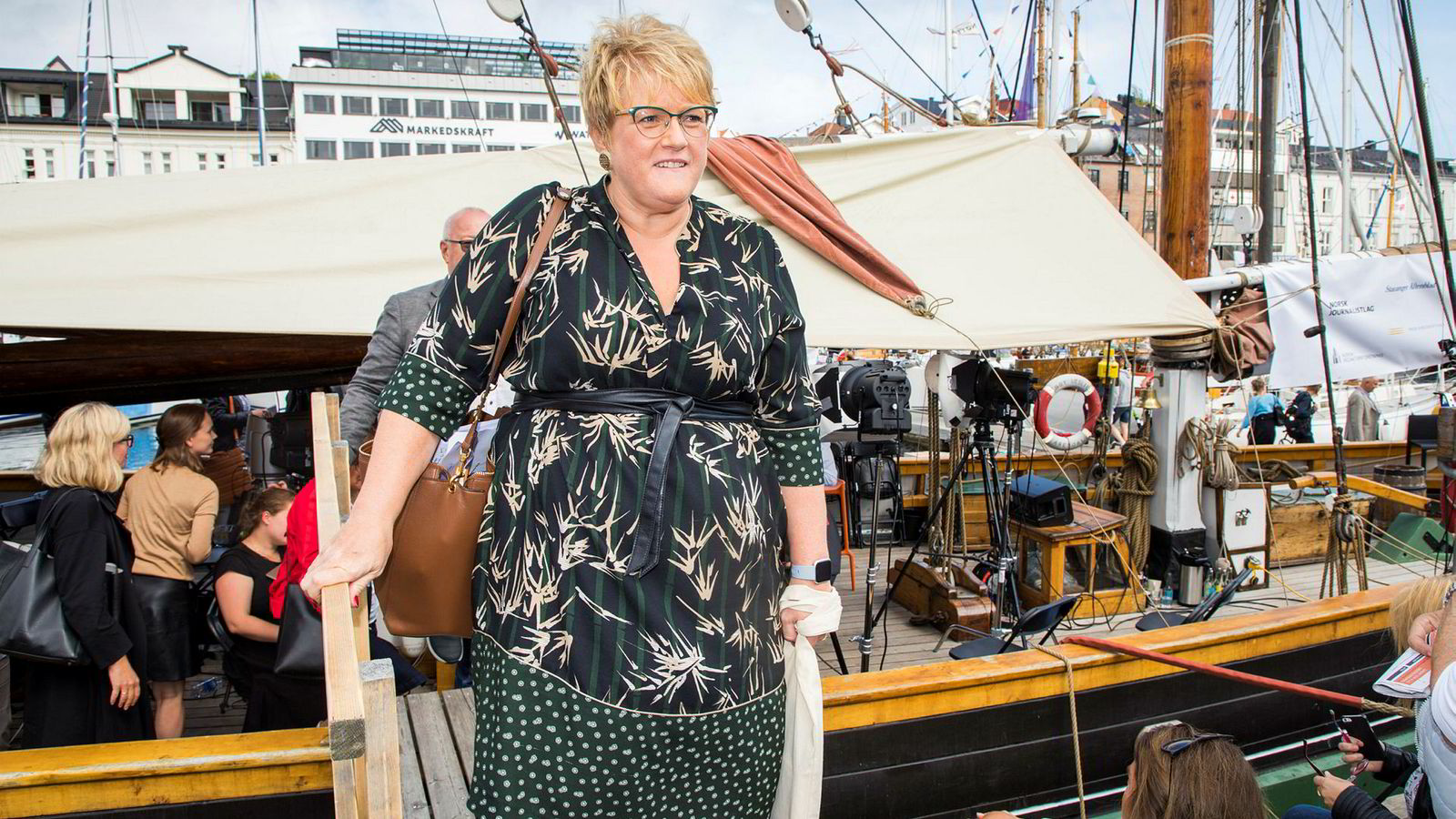 Kulturminister Trine Skei Grande forlater mediebåten etter en debatt underArendalsuka.