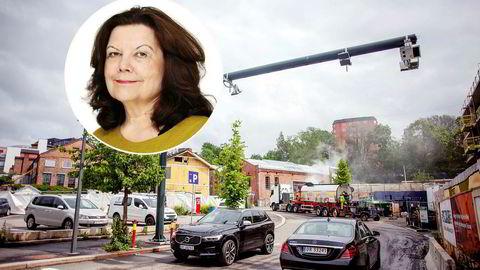 Det er Fjellinjens direktør, Anne Karin Sogn, som ifølge NRK stadig oftere har ansatt konsulenter.