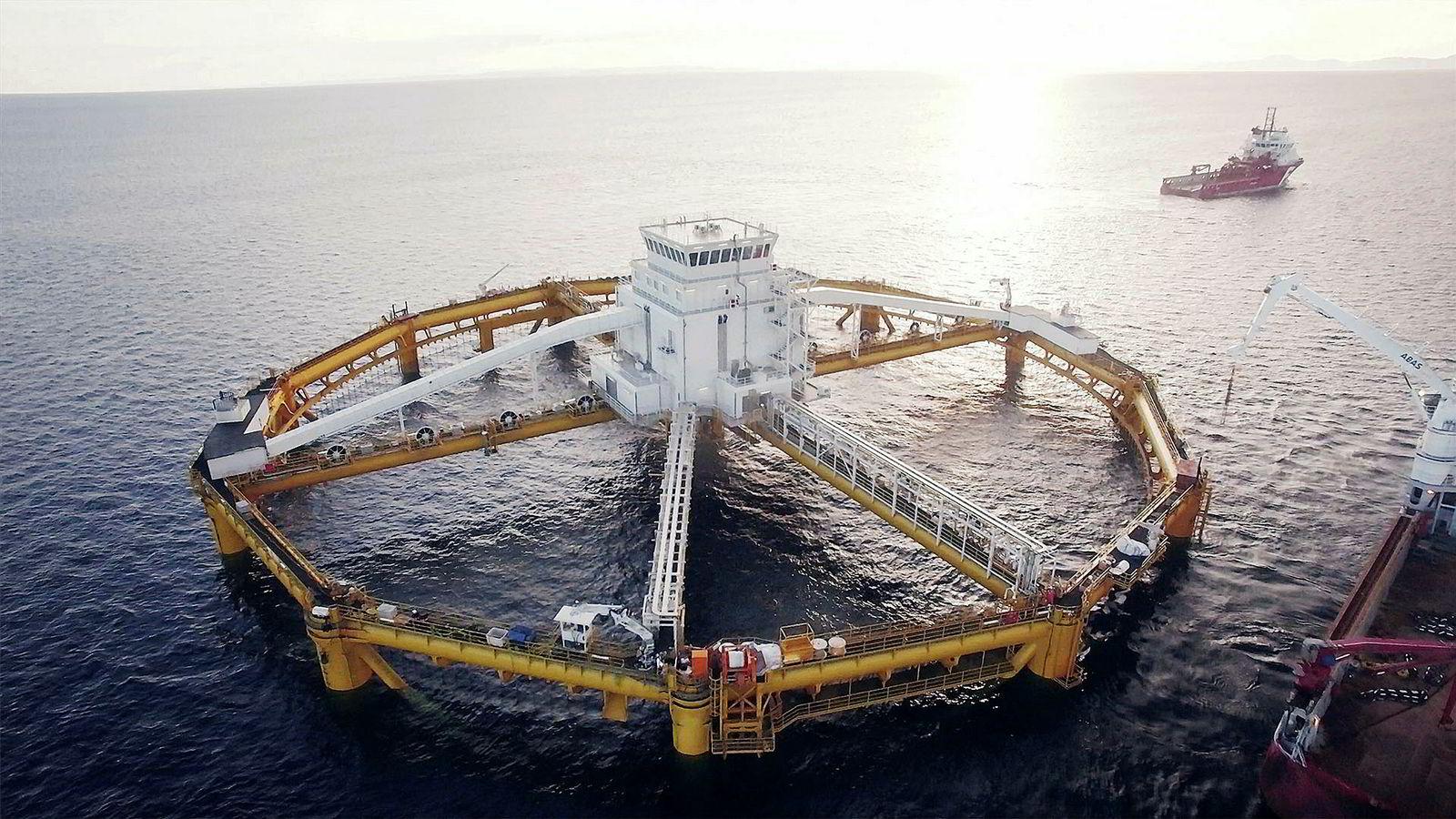 Salmars Havmerd «Ocean Farm 1» på Frøya. Havmerden er konstruert for å være rømningssikker.