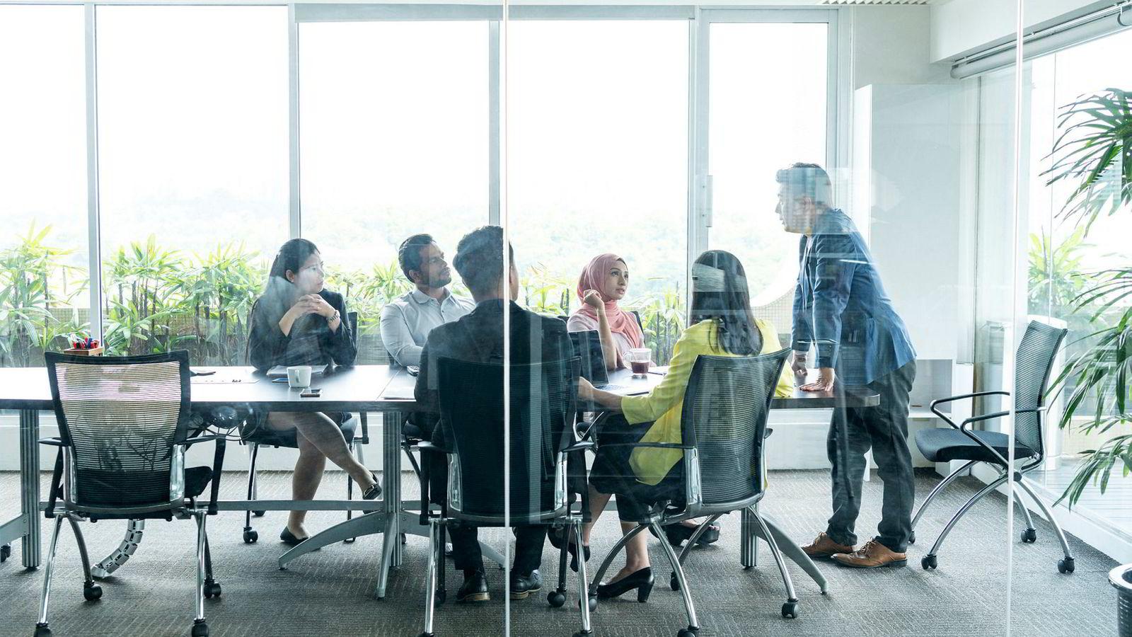 Det å skape psykologisk trygghet på en arbeidsplass har også gjøre med at ledere er trygge på seg selv; i sin rolle og utøvelsen av den, skriver artikkelforfatteren.