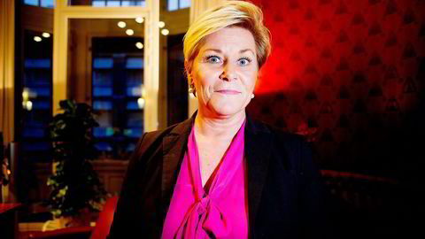 Finansminister Siv Jensen har lest mye nyheter i mange år, men nå leser hun mer internasjonale nyheter enn tidligere. Foto: Gunnar Blöndal