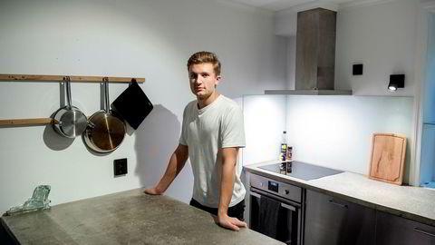 Helt siden konfirmasjonen har Sander Lundvang (20) spart til leilighet, et spareprosjekt som skjøt fart da han fikk jobb som elektrikerlærling.