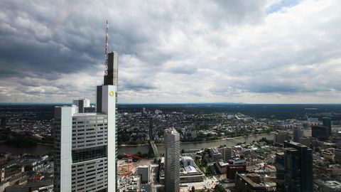Illustrasjonsfoto. Frankfurt, med hovedkvarteret til Commerzbank i forgrunnen.