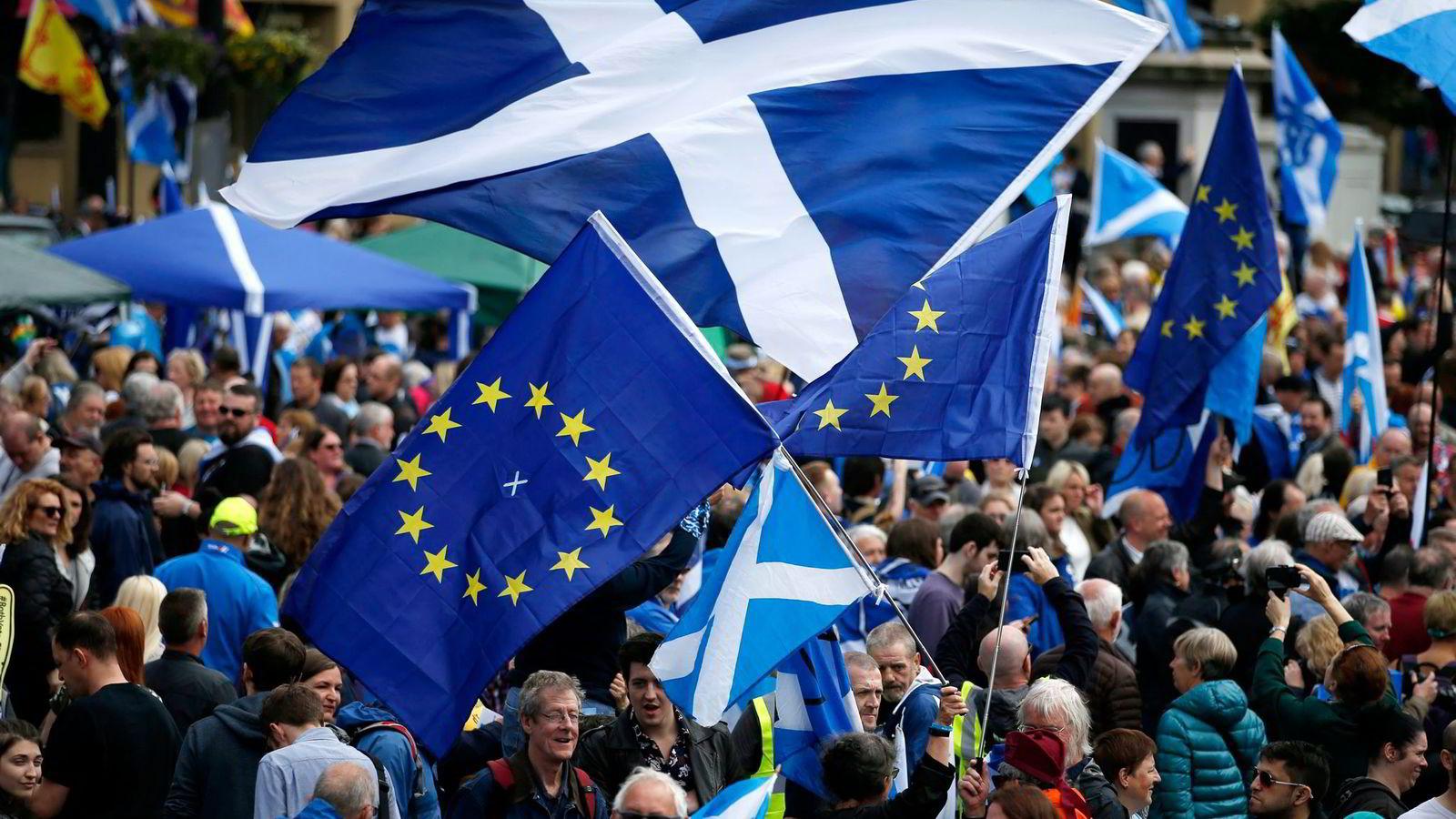 Brexit-resultatet viser et splittet Storbritannia. Skottland vil bli i EU, og som følge av brexit-resultatet marsjerte tusenvis av mennesker for skotsk uavhengighet gjennom Glasgow sentrum forrige lørdag.