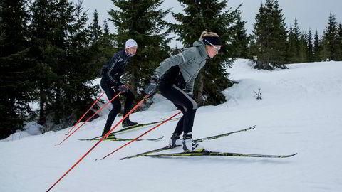Therese Johaug og broren Karstein Johaug trener i skiløypene Natrudstilen ved Sjusjøen. Foto: Geir Olsen/VG/NTB Scanpix