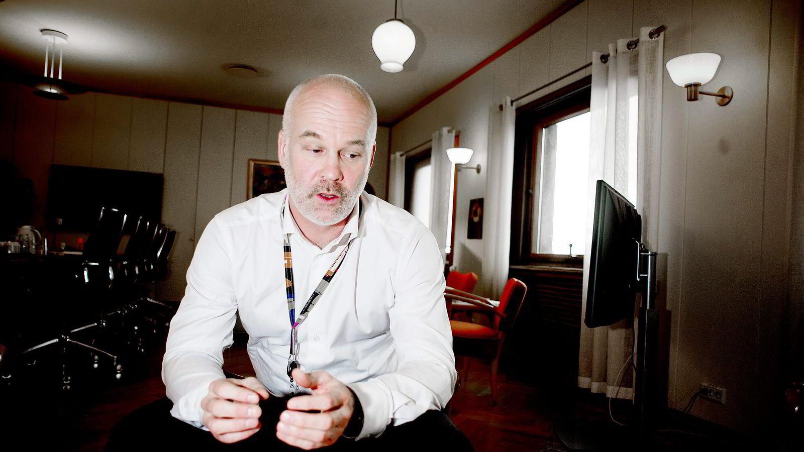 Kringkastingssjef Thor Gjermund Eriksen vil heve lisensen med 70 kroner.