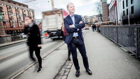 Grunnlegger Erik Hagen i vekstfondet Viking Venture mener staten kunne gjort mer for å hjelpe gründermiljøer, og at statlige Argentum burde vært verktøyet for å bidra med kapital. Hagen pendler mellom kontorene på Bakklandet i Trondheim og London.