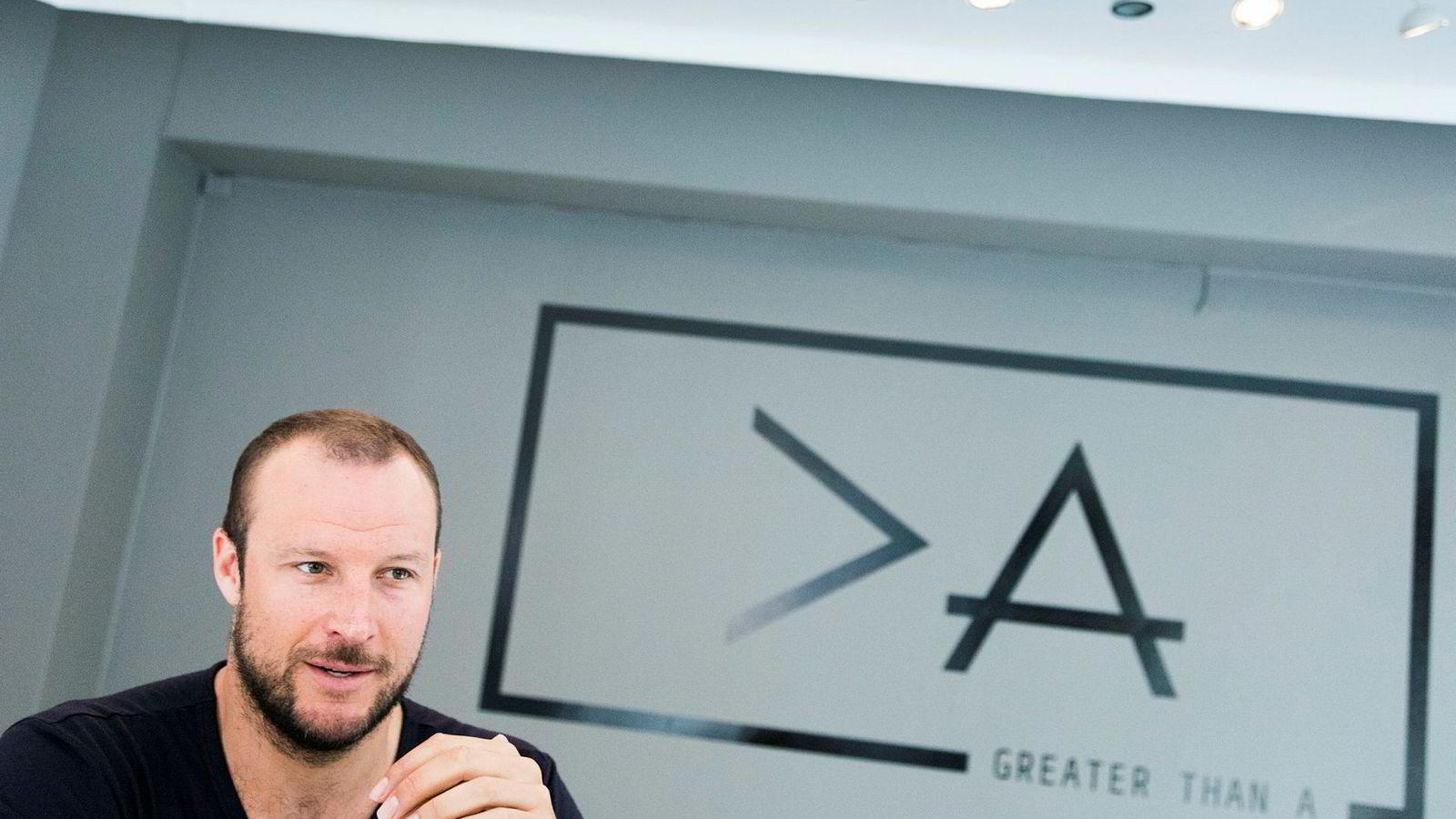 Aksel Lund Svindal har gjort det stort som investor i børsnoterte selskaper. Nå satser han og faren også på oppstartsselskaper.