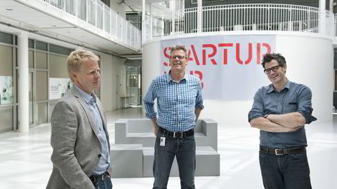 Fra venstre: Trond Aas, tidligere direktør i Funcom, seriegründer og investor i Founders Fund; Tor Bækkelund, partner i Startup Lab og investor i Founders Fund; Alexander Woxen, partner i Startup Lab og investor i Founders fund. Foto: Per Ståle Bugjerde