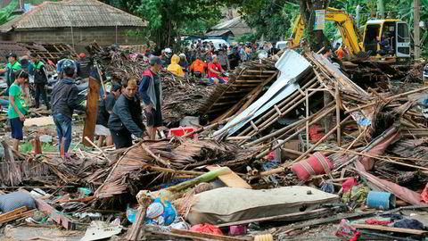 Ødeleggelsene er store etter tsunamien i Indonesia. Dette bildet er tatt i byen Carita.
