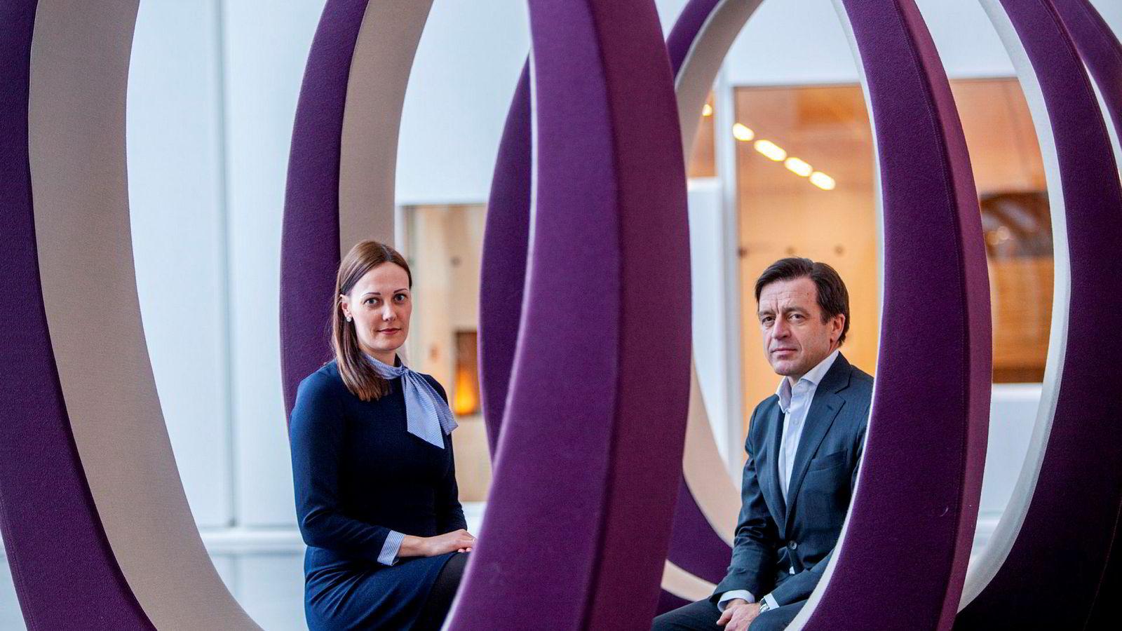 Advokat Hilde Alexandra Grønland Kuburic og juridisk direktør Hans Henrik Klouman i Equinor vil ikke gi rammeavtaler til selskaper med få kvinnelige advokatpartnere.