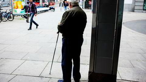 Rundt 30.000 personer med 15 milliarder kroner i fripoliser med investeringsvalg er utsatt for en lite kjent risiko som kan slå veldig hardt ut hvis de bestemmer seg for å bli pensjonister på feil dag.