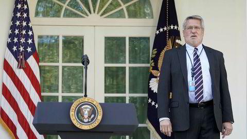 Bill Shine er president Donald Trumps femte kommunikasjonssjef som går av. Her i Rosehaven utenfor Det hvite hus.