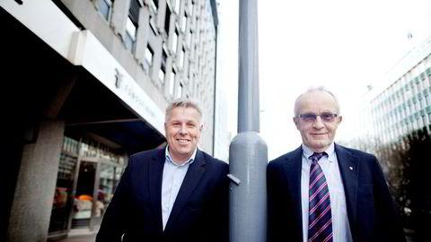 Inkassokameratene Jon H. Nordbrekken (til høyre) og Olav Dalen Zahl har startet inkasso- og gjeldsporteføljekjøps-selskapet B2 Holding. Her er duoen avbildet utenfor kontoret i Haakon Vlls gate ved Vika i Oslo.
