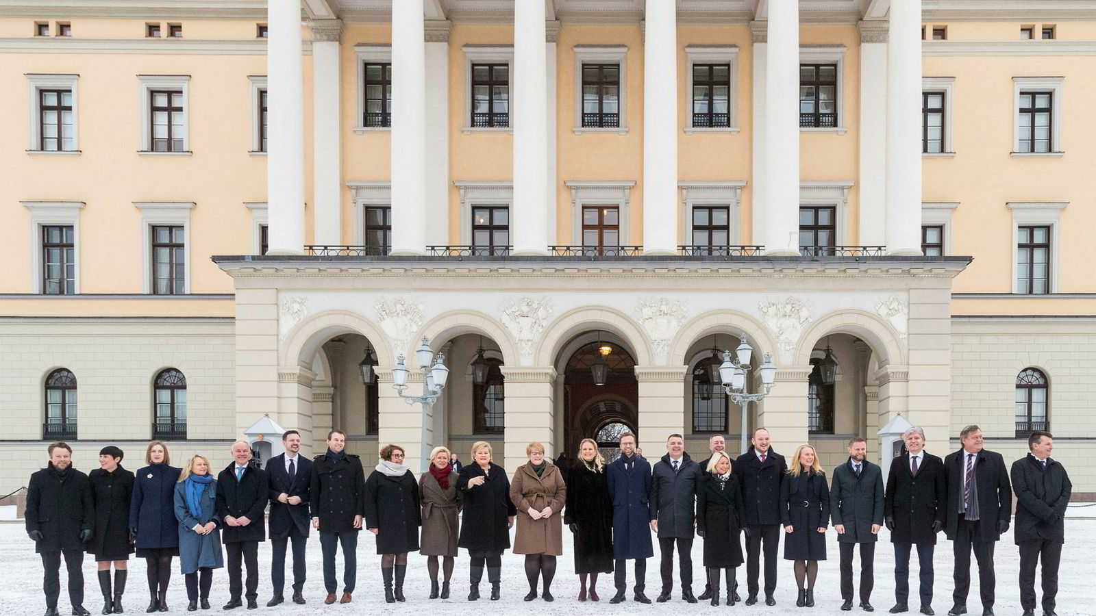 Statsminister Erna Solberg presenterte sin utvidede regjering etter ekstraordinært statsråd på Slottet tirsdag.