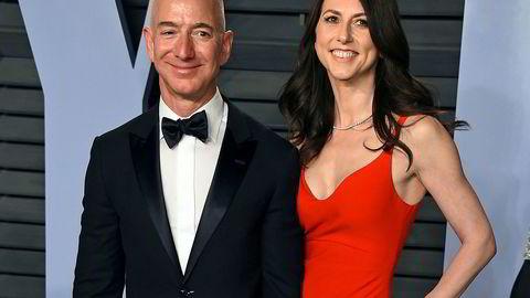 Jeff Bezos og MacKenzie Bezos ankom sammen til magasinet Vanity Fairs Oscar Party i Beverly Hills i mars 2018.