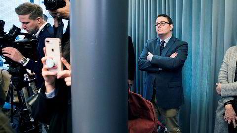 Espen Teigen sto bak fotografene under pressekonferansen da Sylvi Listhaug trakk seg som justisminister. Nå skal han menge seg med journalistene.