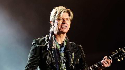 David Bowie på scenen i Seaclose Park i England i 2004. Foto: Louise Wilson/