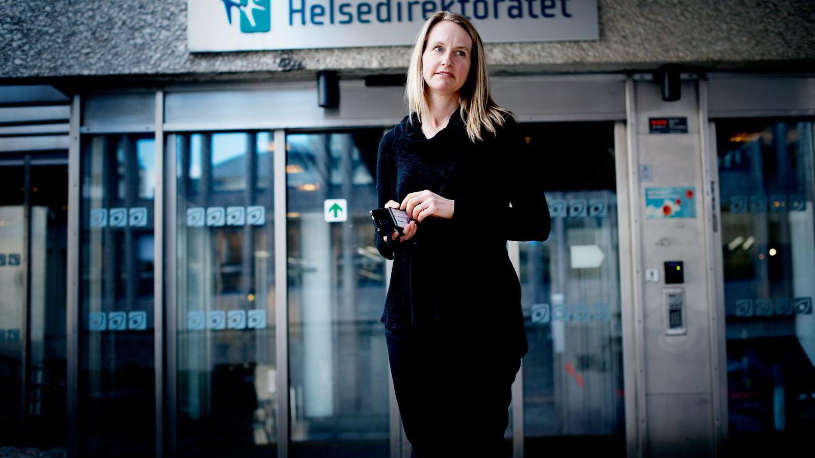 Kommunikasjonsdirektør Berit Kolberg Rossiné i Helsedirektoratet forsvarer direktoratets bruk av reklamekroner på innholdsmarkedsføring. – Det er langt billigere enn tv-reklame, sier hun.