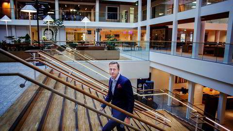 Nordea opplever igjen at etterspørsel etter boliglån går oppover. Norgessjef Snorre Storset sier banken kan leve med strenge boliglånskrav som i dag.