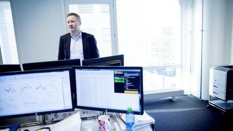 - ET VARSEL. Sjeføkonom Frank Jullum i Danske Bank mener det ikke er noen rett linje opp for norsk økonomi herfra. Foto: Ida von Hanno Bast