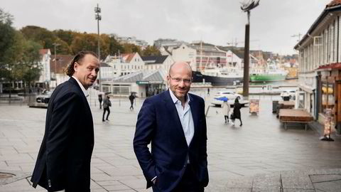 Leder Jan Erik Saugestad av Storebrand Asset Management stilte opp i Stavanger onsdag sammen med Skagen-sjef Øyvind Schanke for å markere at førstnevnte selskap kjøper sistnevnte.
