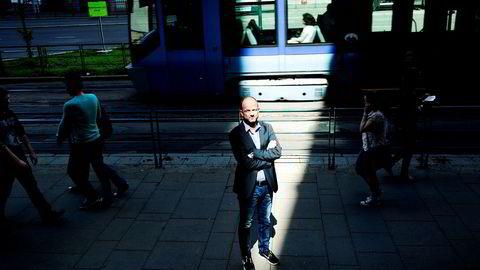 Det er for mange målsettinger med de ni milliarder virkemiddelkronene, mener NHOs nestsjef Ole Erik Almlid, som mener målet må være arbeidsplasser.