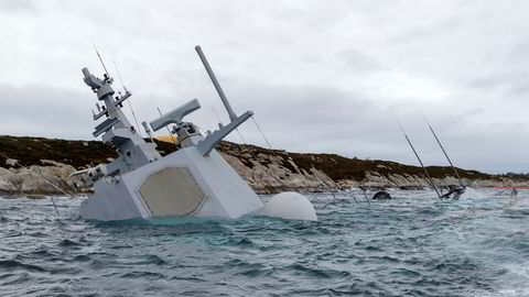 Den havarerte fregatten KNM «Helge Ingstad» ligger på grunn nord for Stureterminalen i Hjeltefjorden utenfor Bergen.